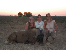 Leesa, with daughter Cassandra and Lizelle on a trip to the Free State
